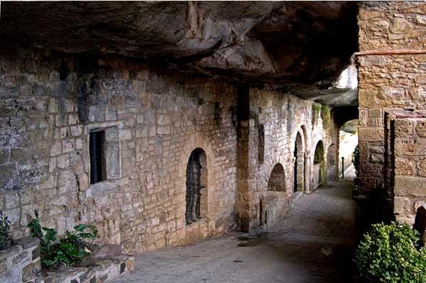 Экскурсия в Монастырь Сан Мигель-дель-Фай