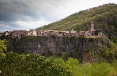 Экскурсия в Кастельфольит-де-ла-Рока